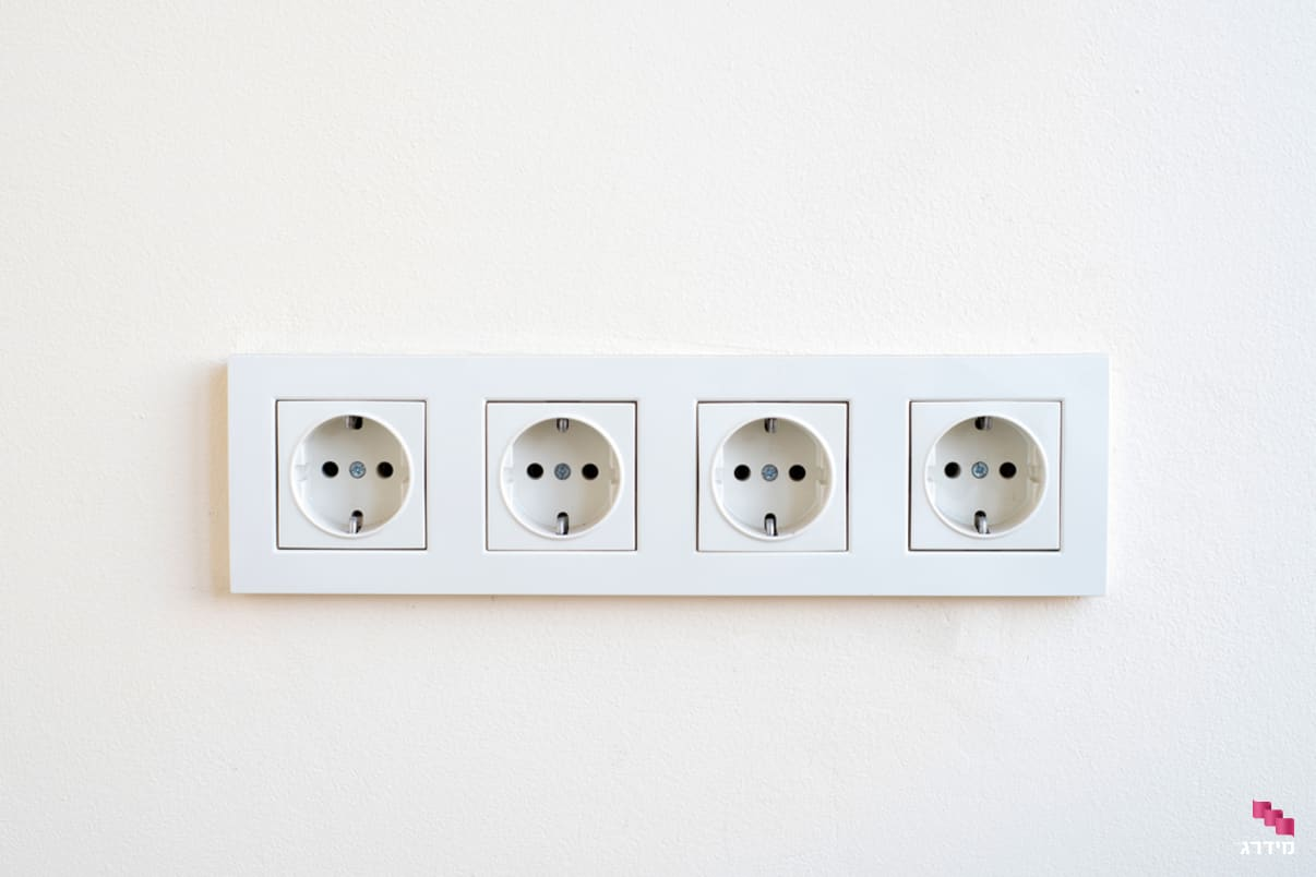 שירות התקנת נקודות חשמל וקווי חשמל